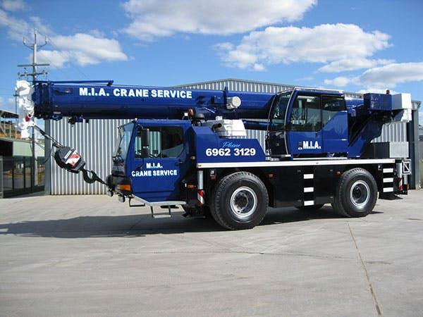 Mia Crane Service