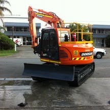 Logo of D and M Plant Hire Pty Ltd