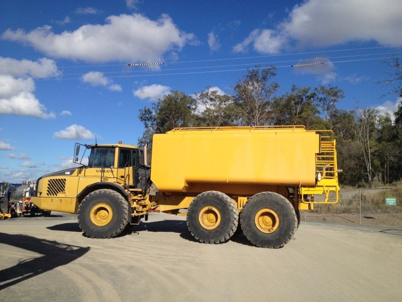 30000L Water Cart for hire - Thomas Kingsley Resources Pty Ltd