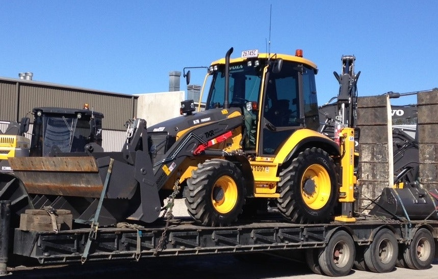 More than 10t Backhoe for hire - Thomas Kingsley Resources Pty Ltd