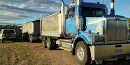 anthonys trucking Tipper