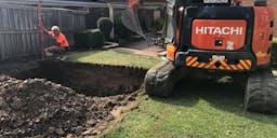 B&R EARTHWORKS PTY LTD Track Mounted Excavator
