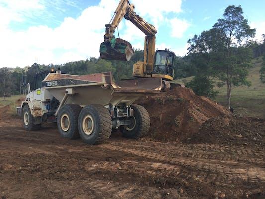 Rural Earthworx machinery for hire in Murgon - iSeekplant com au
