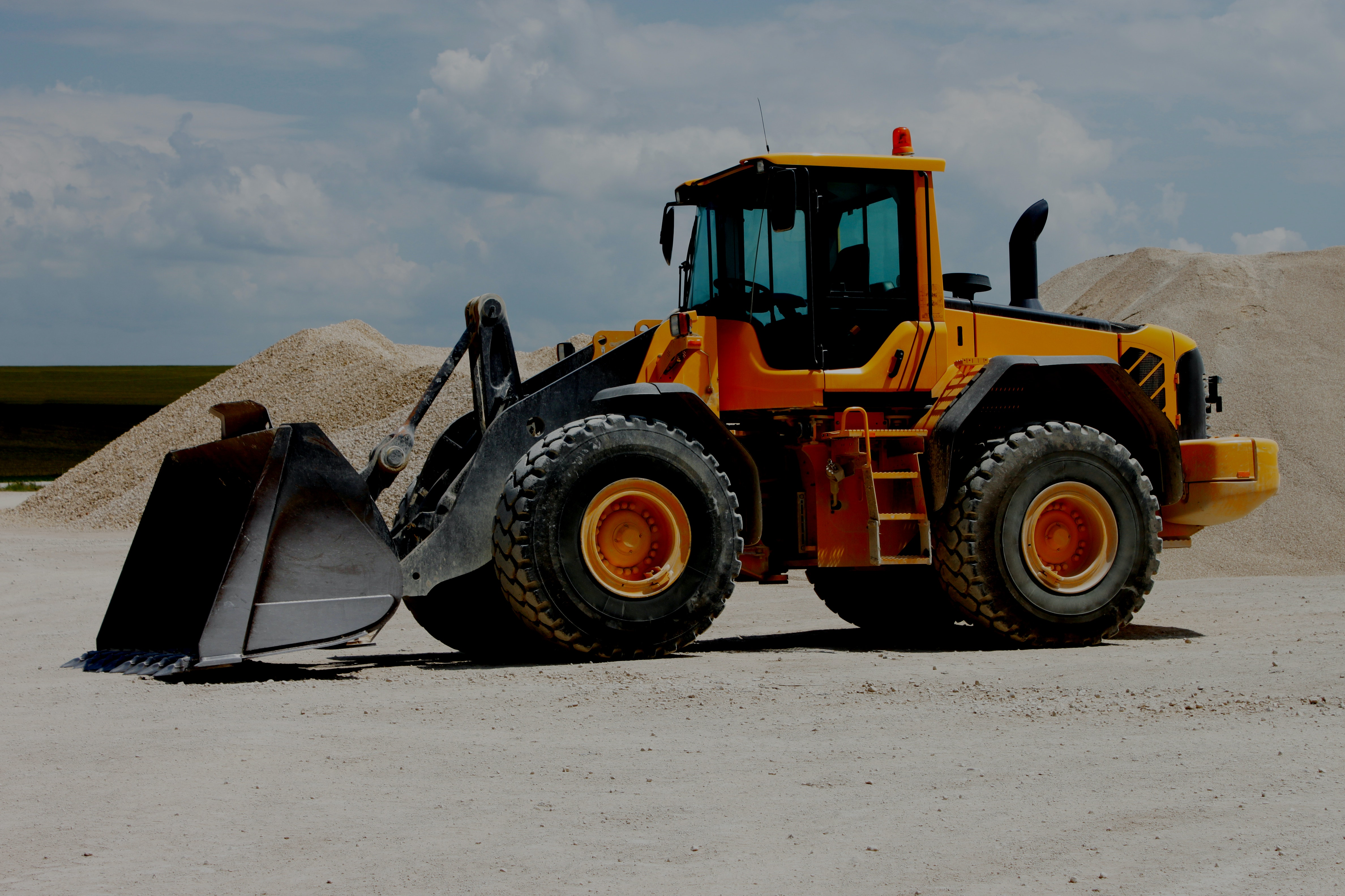3-6m cubed Bucket Capacity Loader for hire - Consolidated Mining and Civil