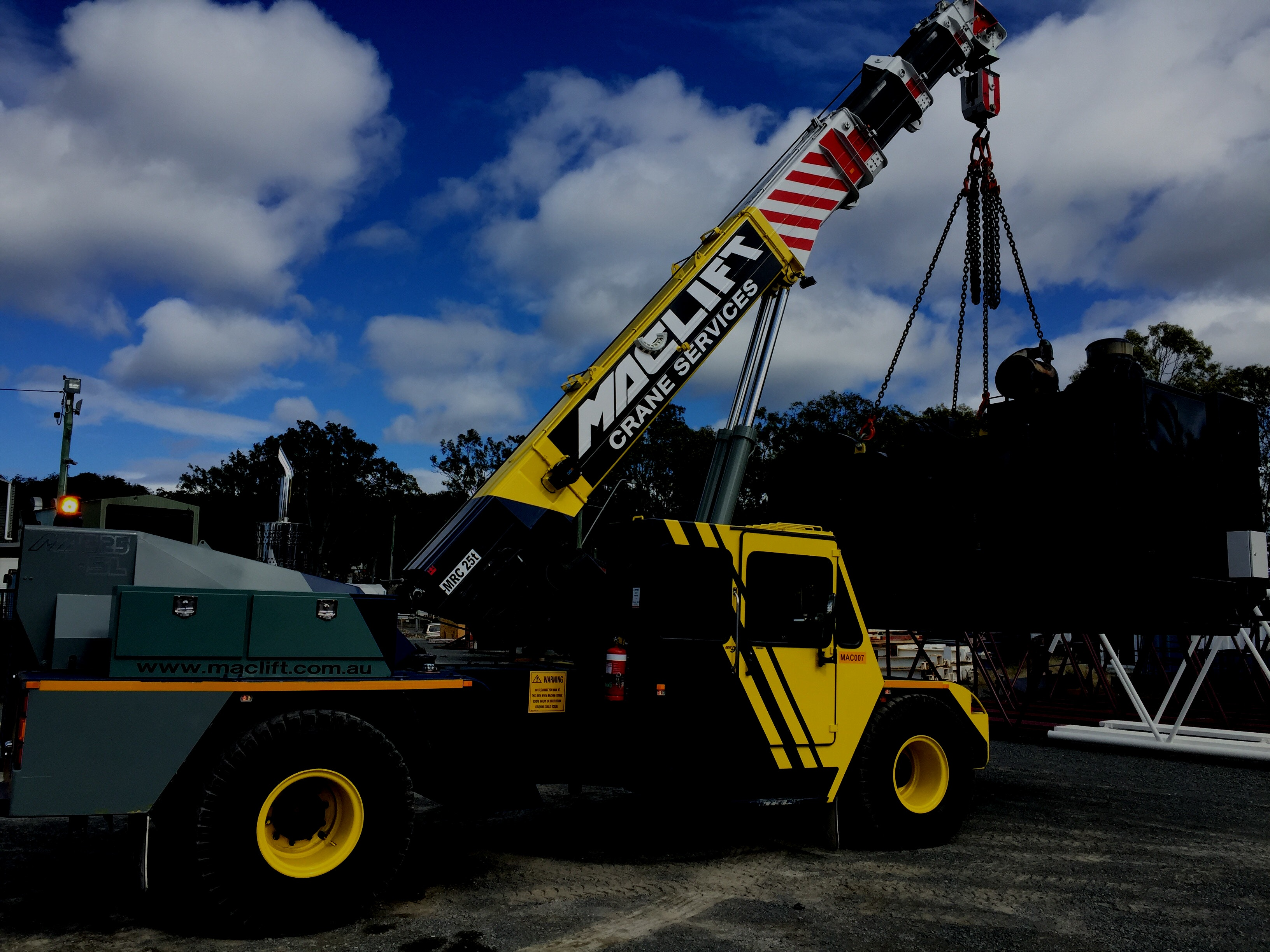 21t - 50t SWL Cranes for hire - Consolidated Mining and Civil