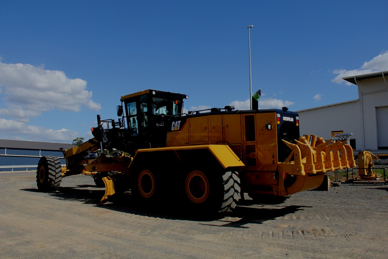 16ft Blade Grader Grader for hire - Consolidated Mining and Civil