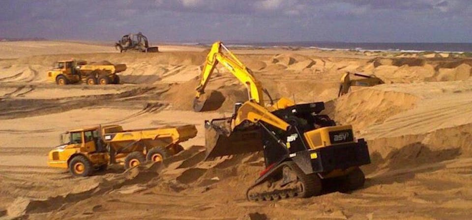 Rick Davis Contracting machinery for hire in Ingleside