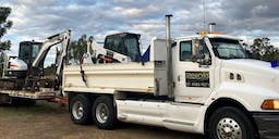 Siteworks Contracting Tipper