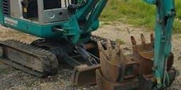Bennoz Total Property Maintenance Track Mounted Excavator