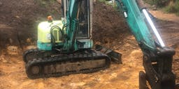 AGM Bobcat & Tipper Track Mounted Excavator