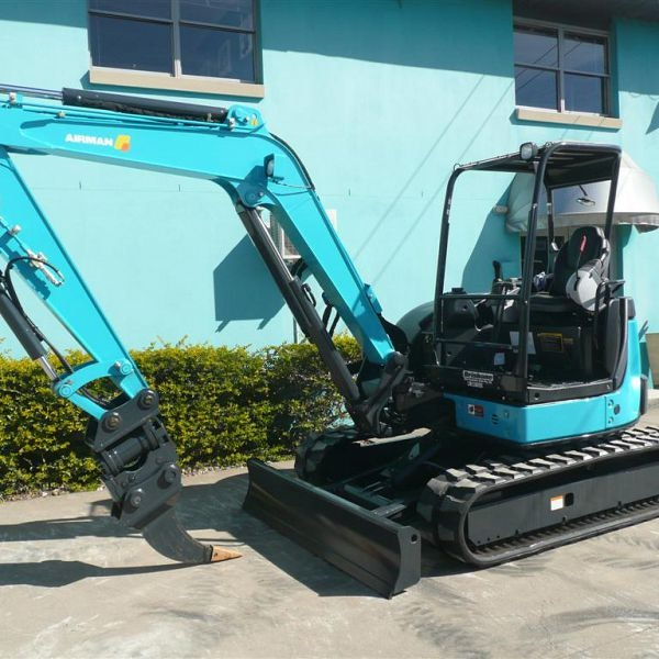 3.5t - 5.4t Excavator for hire - Thomas Kingsley Resources Pty Ltd