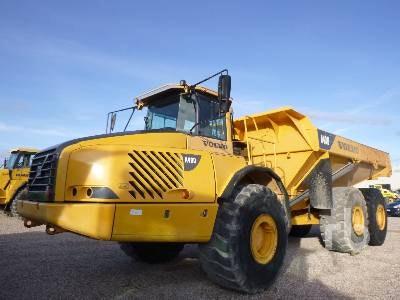 40t Plus Dump Truck for hire - Thomas Kingsley Resources Pty Ltd