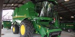 Agri World Australia PTY LTD 4x4 Tractor